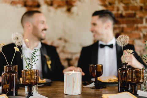 LGBT Hochzeitsinspiration in der Scheune Grafenegg