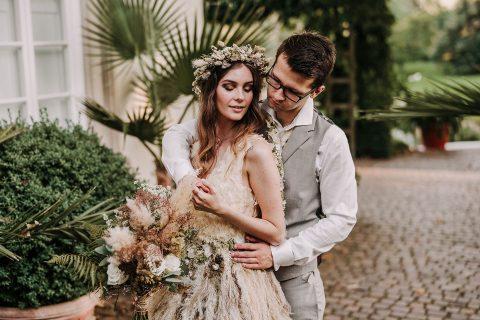 Brautkleider aus Blumen