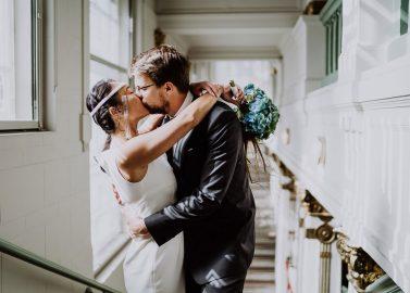 Tropisch Heiraten im Sommergarten James June inmitten von Berlin