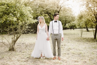 Eine Hochzeitsmärchen Inspiration in gelben Pastellfarben,