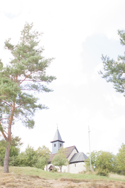 Magische Hochzeit in einer 800 Jahre alten Kirche